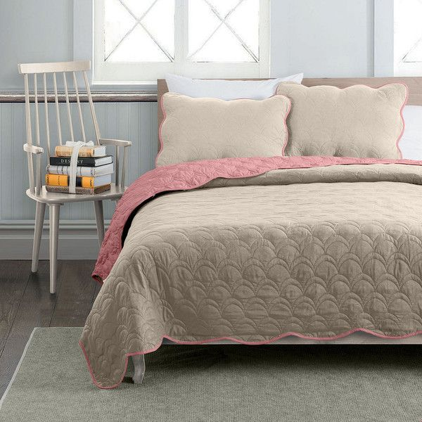 Avondale Manor Charlotte 3-pc. Reversible Quilt Set (88 CAD) ❤ liked on Polyvore featuring home, bed & bath, bedding, quilts, king size pillow shams, quilted shams, king size quilt sets, king size bedding and queen quilt set
