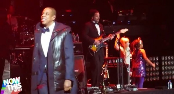 Gwyneth Paltrow Dancing To Jay-Z & Husband Chris Martin Bringing In New Years | Video- http://getmybuzzup.com/wp-content/uploads/2013/01/Jay-Z-Coldplays-Chris-Martin-600x325.jpg- http://gd.is/5Oy8VW