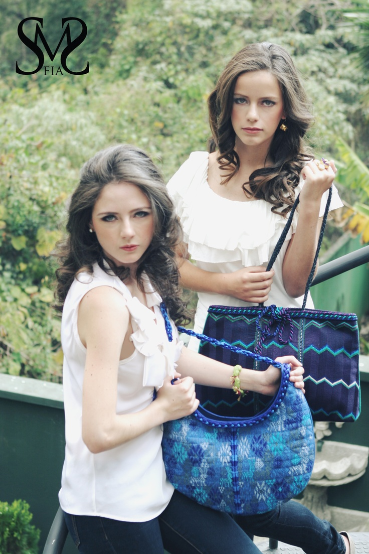 Handbags 100% made by hand with Guatemalan fabric     Bolsas 100% hechas a mano con tela tipica Guatemalteca.