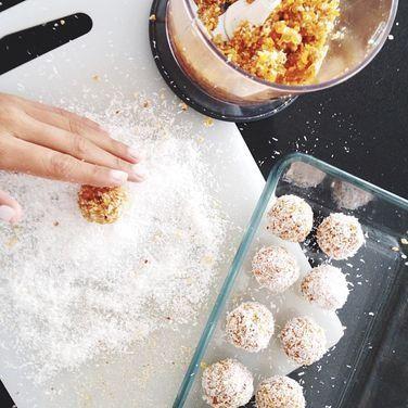 abricot coconut balls recipe  :: summer recipes  :: FineCraftGuild.com