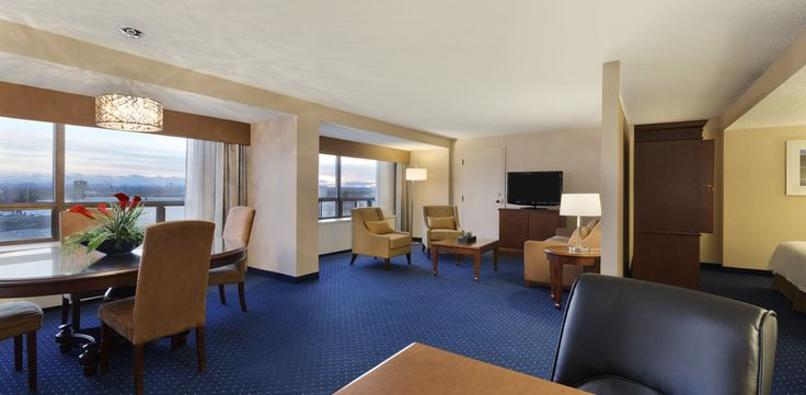 Executive suites - Coast Plaza Hotel and Conference Centre