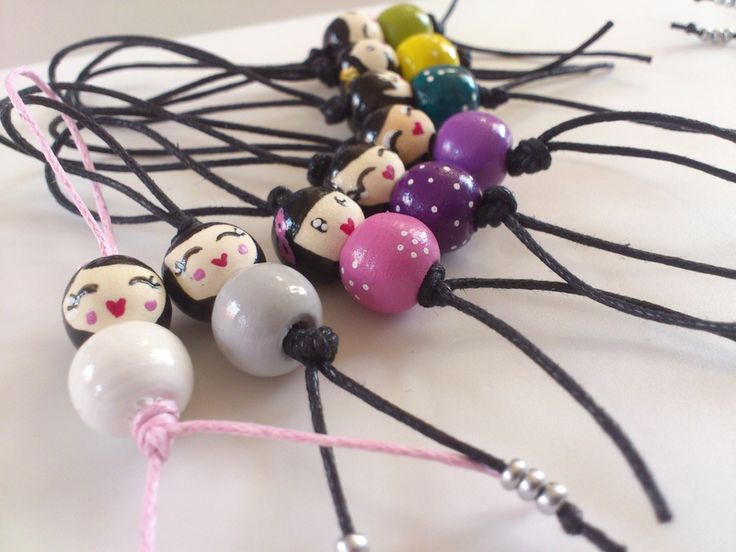 puce de cheveux perles peintes à la main à la façon des pois plumes
