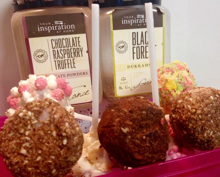 Find a similar recipe for gorgeous Cookie & Cream Truffles in our 4 Ingredients YIAH Cookbook - Perfect gift for family and friends this Christmas .... www.inspiredbyspice.com