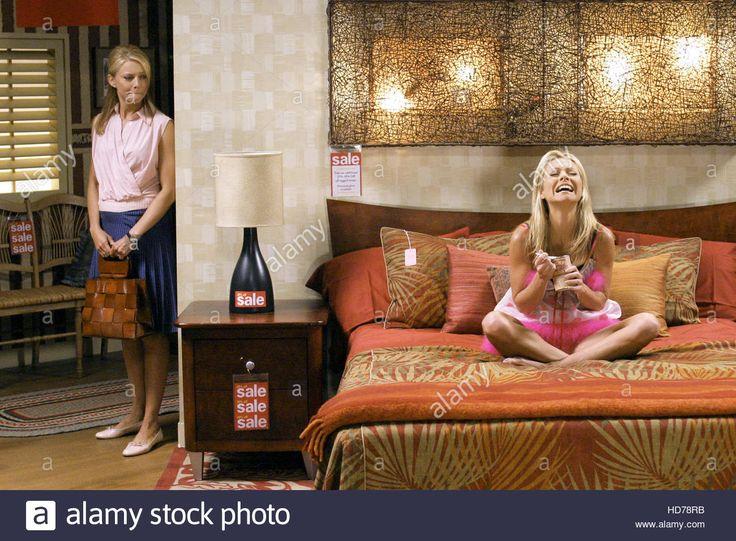 ♦♦♦ KELLY RIPA ♦♦♦ hope-and-faith-faith-ford-kelly-ripa-mall-in-the-family-season-2