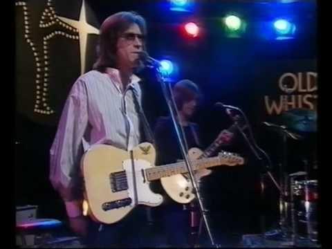 The Kinks - You Really Got Me, 1977  The Kinks (pronunciado / ðə kɪŋks/)1 2 fue una banda británica de rock originaria de Muswell Hill, al norte de Londres, formada por los hermanos Ray y Dave Davies en 1964. Catalogada en Estados Unidos como una banda de la invasión británica, The Kinks está reconocido como uno de los grupos de rock más importantes e influyentes de todos los tiempos