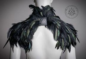 Negro del pedazo del hombro pluma / pluma encogiéndose de hombros / alto mitad cuello pedazo del hombro plumas vestido de novia vanguardista moda accesorios / hombre Burnin por MetamorphQC