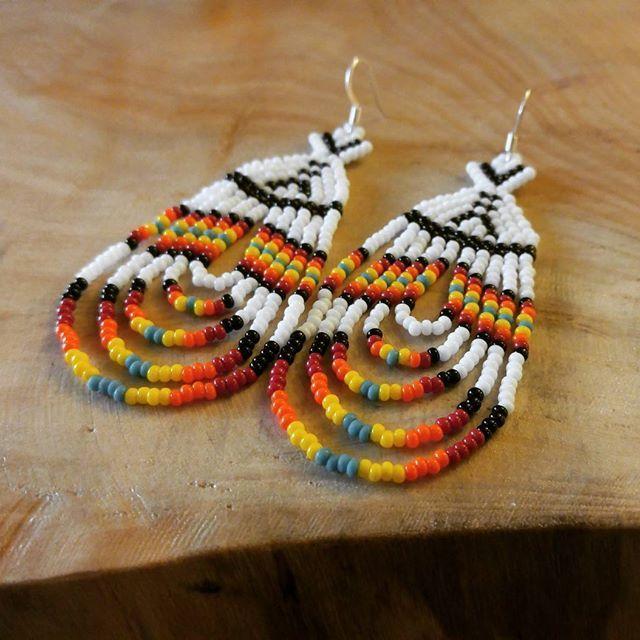 Tipi earrings - for sale at @kultrunmarket  #nish #firstnationsbeadwork #anishnaabemade #beadedearrings #tipi #home #indigenous #seedbeads #kultrunmarket #waterloo #kwawesome #smallbusiness #shoplocal #nimiseboutique