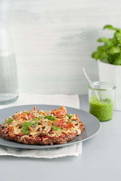 Meatza! Skøn LCHF pizza med oksekødsbund. Mums!