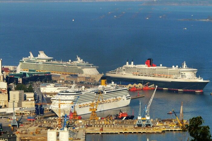 Independence of the Seas, Queen Mary 2, Costa cruise ship in the port of Vigo Spain