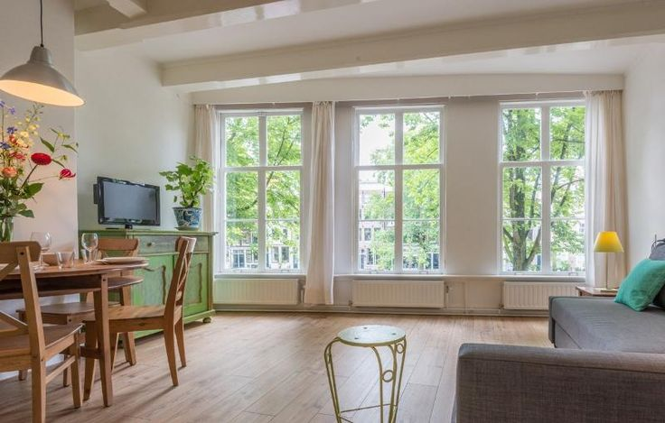 Canal View Amsterdam apartment Has Central Heating and Wi ...