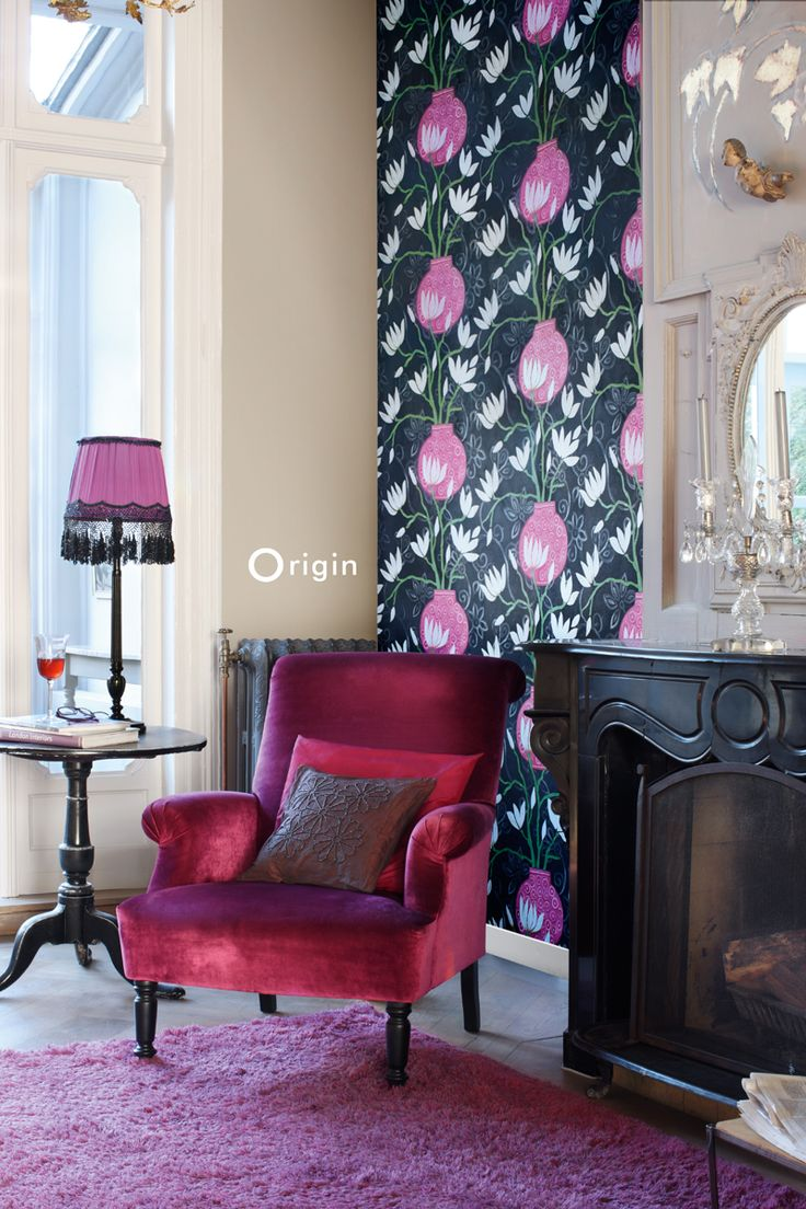 silk pinted non-woven wall covering magnolia black and pink. Collection Mariska Meijers, Origin - luxury wallcoverings.
