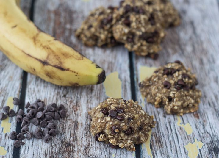Healthy Banana, Oatmeal and Chocolate Cookies