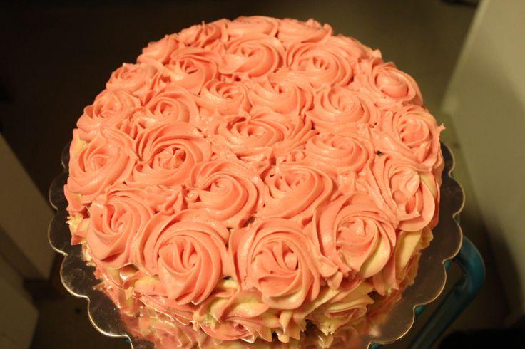 Chocolate Cake With Cream Cheese Roses
