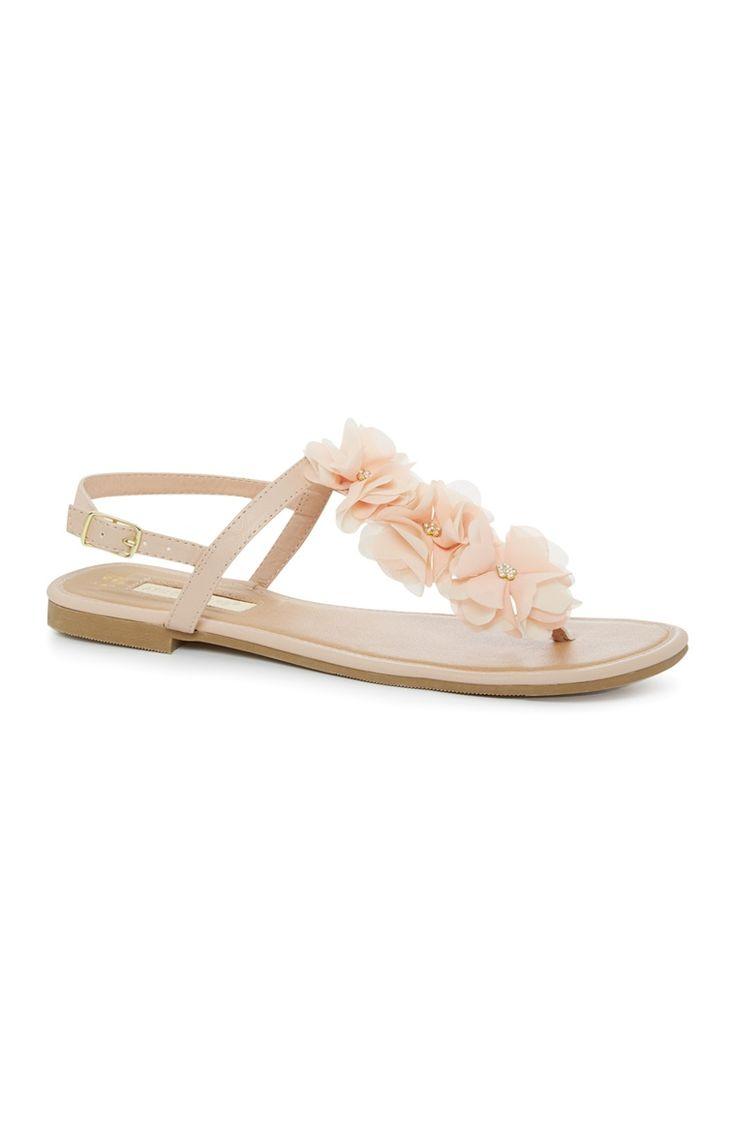 Roze sandaal met stoffen bloemen