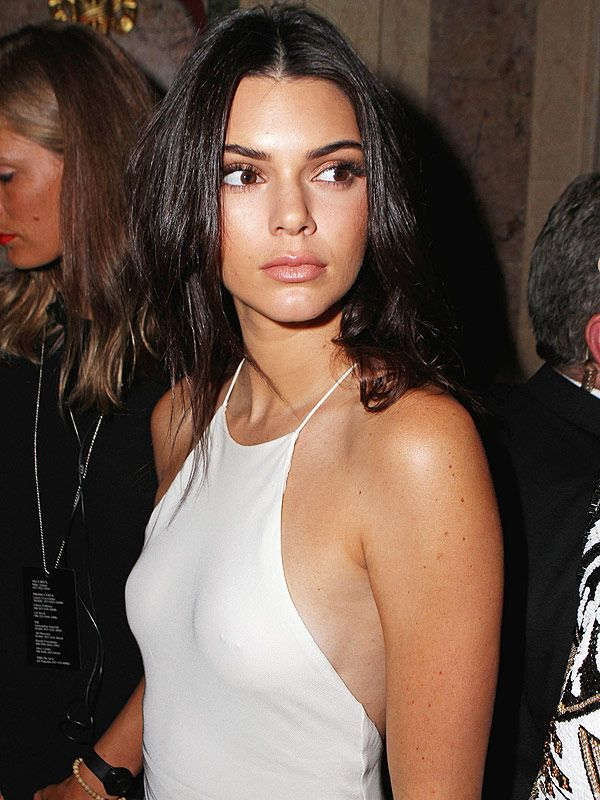Kendall Jenner on Going Braless and Embracing Her Nipple Piercing: 'I'm Cool With My Breasts!' http://stylenews.people.com/style/2016/07/25/kendall-jenner-comfortable-braless-nipple-rings/