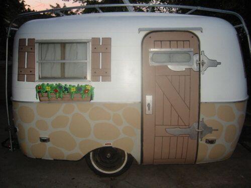 camper renovatie renoveren buitenkant caravan verven schilderen verf caravan camper