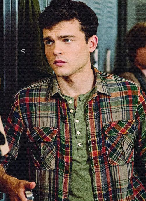 Alden Ehrenreich/ Ethan Wate from Beautiful Creatures love his voice