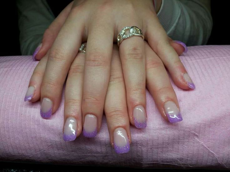 Brisa lite paarse french manicure