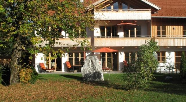 Ferienlandhaus Alpinum - #Apartments - $125 - #Hotels #Germany #Lenggries http://www.justigo.in/hotels/germany/lenggries/ferienlandhaus-alpinum_202246.html