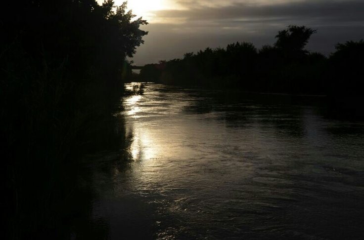 Sunset on the river 21.04