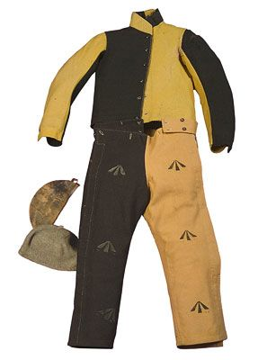 Convict uniform and two caps 1830–1849