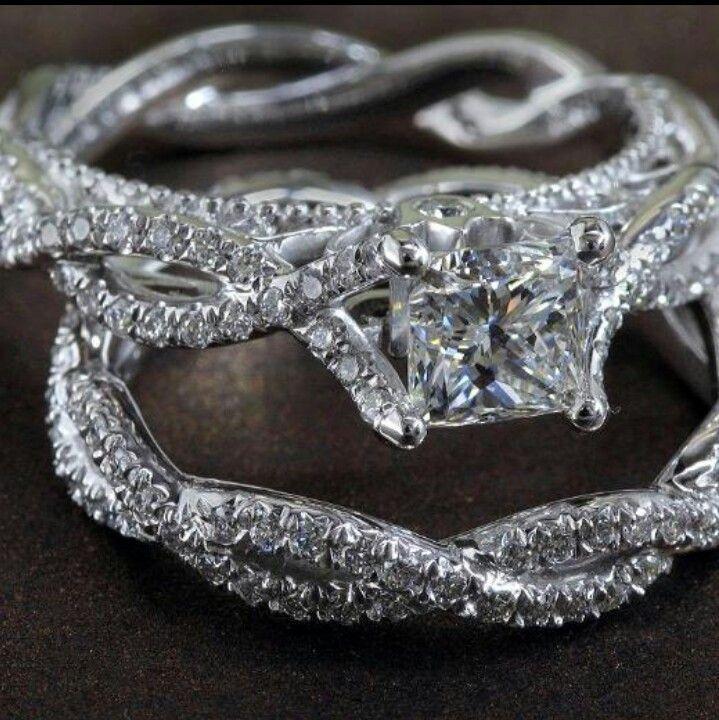 wedding ring.... Perfect