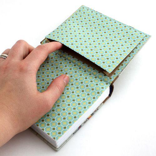 Bolsillo secreto camuflado en la página final - Secret camouflage end page pocket. Bookbinding by Ruth Bleakley