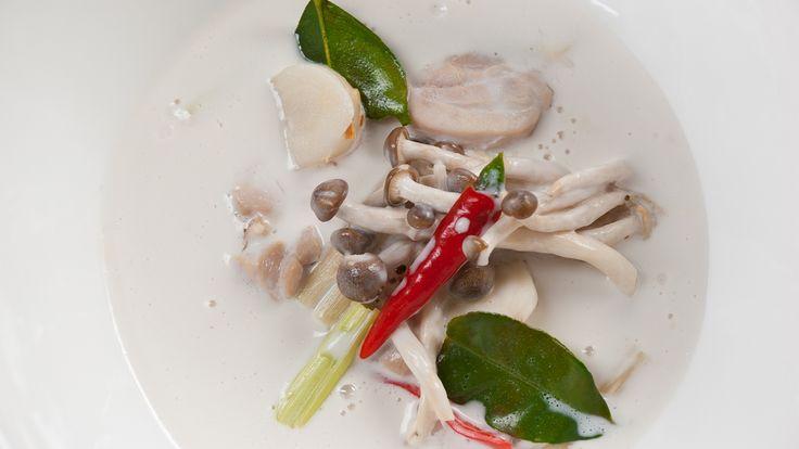 Coconut Chicken Soup (Tom Ka Gai)