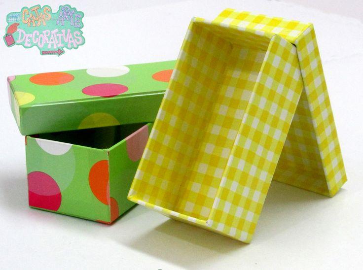 #CajasAD Cajas rectangulares verde de papel de diseño de puntos de colores grandes y papel de dseño amarillo a cuadros pequeños. Son perfectas para empacar detalles como ropa, bombones, rosas, chocolates, muñecas, etc !