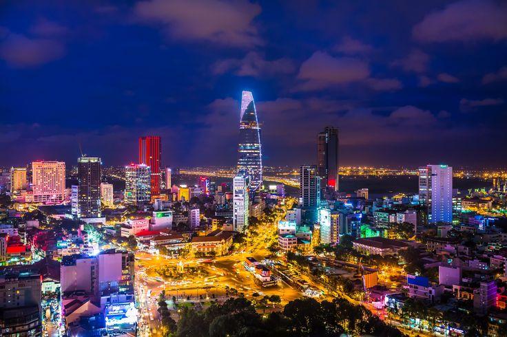 Ho Chi Minh, Vietnam'ın 7,123,340 nüfuslu, en büyük ve gidenlere harika deneyimler katan şehri.. Adını eski Kuzey Vietnamlideri Ho Chi Minh'ten alıyor. Önceki ismi Saygon imiş. Eskiden, bu isimle FransızKoçinçinkolonisinin başkentiymiş. 1975'e kadar da Güney Vietnam'ın başkenti olarak kalmış.