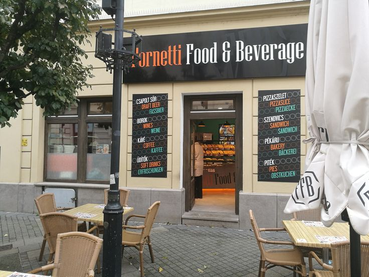 Knusprige Backwaren und herzhafte Snacks im Fornetti Food & Beverage in györ!