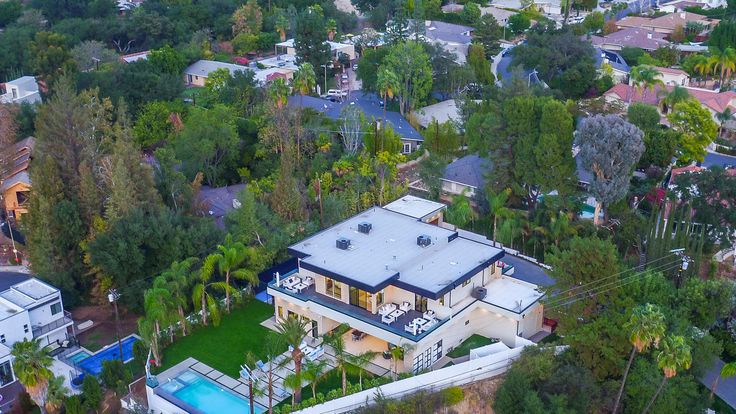 Antonio Gates, tight end for LA Chargers, recently purchased a home in L.A. for $6.99 million.