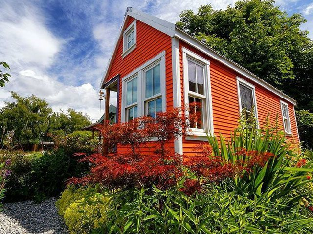 10+Tiny+Vacation+Homes+You+Can+Rent+Across+America  - CountryLiving.com
