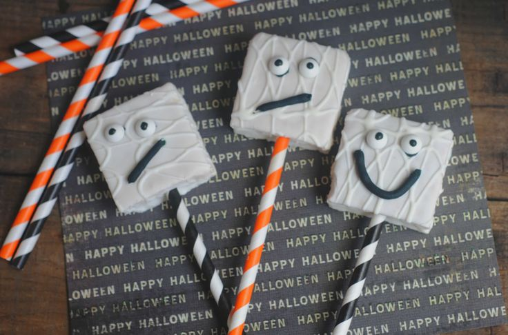 Ghost Cakes Perfect For Halloween Treats are the perfect treat for classroom parties or Halloween night! 10 Gluten Free Candies to have on hand too!
