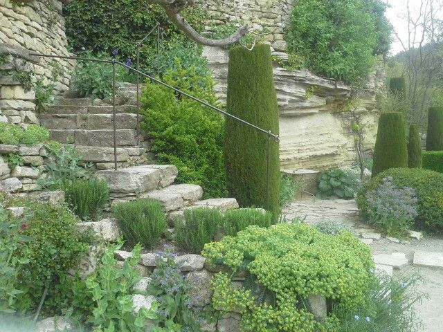 Jardin de la Louve by Nicole de Vésian, Bonnieux, France