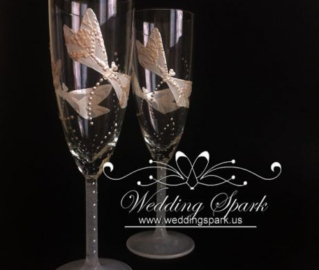 Dragonfly wedding flutes Personalized champagne glasses Dragonfly wedding theme
