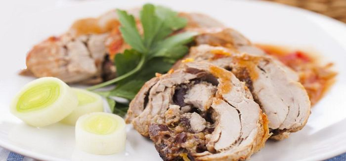 Pork fillet stuffed with prunes in multivarku