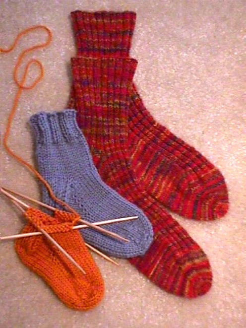 Toe Up Knitted Sock Pattern Free : HeartStrings FiberArts--Jackie Erickson-Schweitzer--Basic Toe to Cuff Socks (...