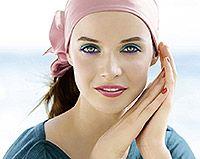 Die Make-up-Produkte der limitierten Sommer-Edition RETROPICAL von Yves Rocher erstrahlen in den leuchtenden Farben einer exotischen Insel. Nuancen wie Rosa Orchidee, Roter Hibiskus, Bermuda-Blau oder Tropische Minze erinnern an Urlaub, Sonne und ferne Länder.