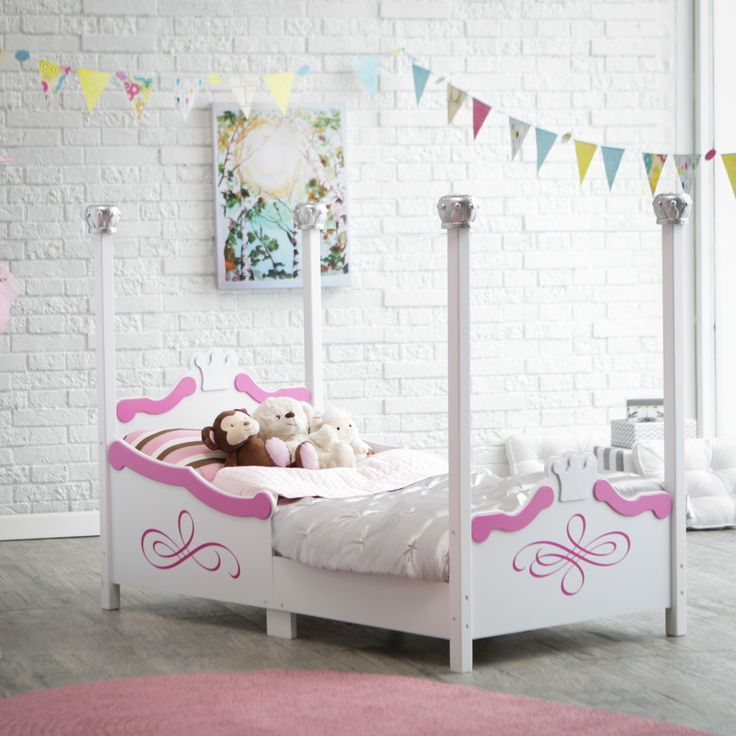 Kidkraft Princess Toddler Bed - Silver - Painted in silver tone finish with crowns adorning the headboard, footboard, the top of each bed post, the KidKraft Princess Toddler Bed -...