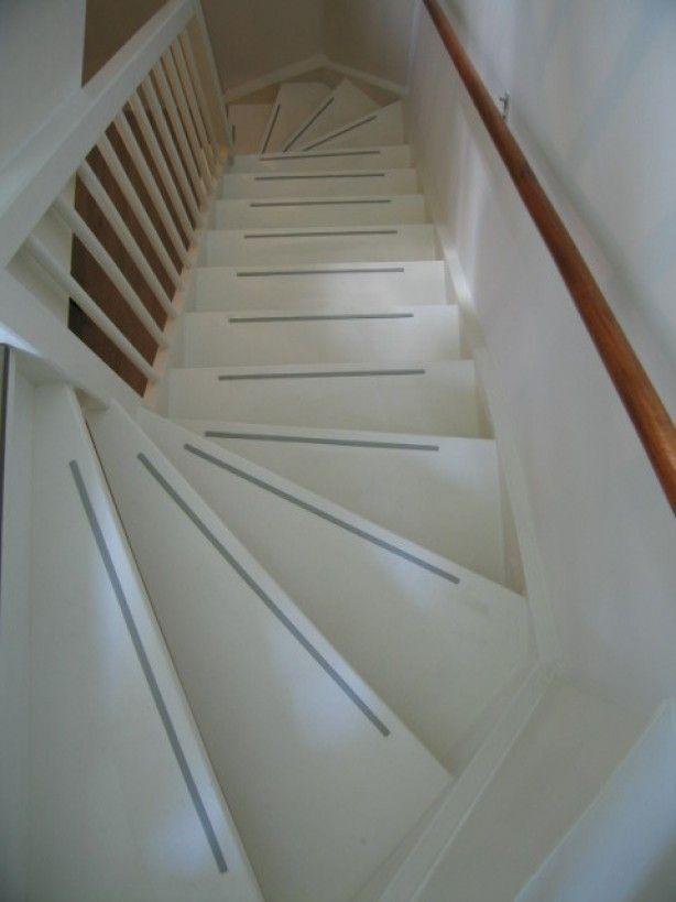 25 beste idee n over trappen schilderen op pinterest verf trap geschilderde trap en - Ideeen deco trappen ...