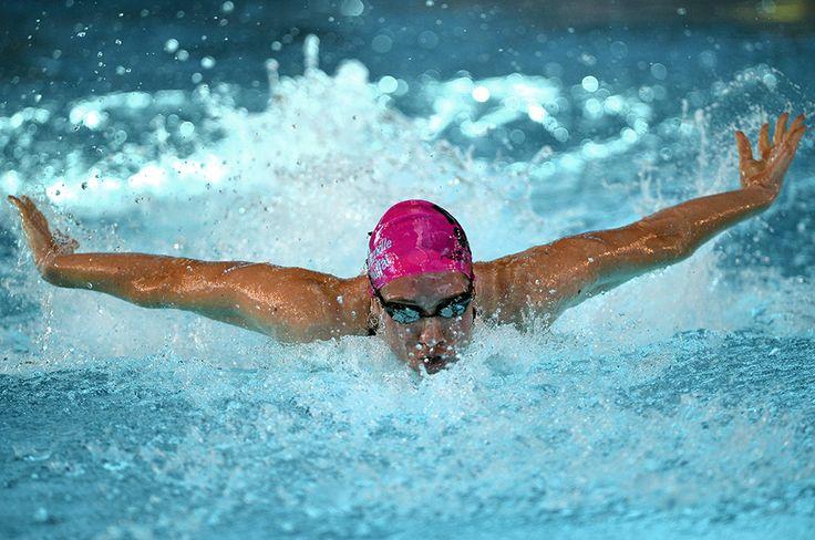 La vita di Camille Muffat: Camille Muffat nei 100m a farfalla in un campionato a Dijon, Francia, 2013 - Il Post