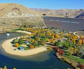 Lucky Peak S.P.,ID, USA, is the perfect place for swimming, fishing, boating or biking.  Sandy Point and Discovery is a 10 minute drive from Boise and Springs Shores Marina is 40 minutes away.