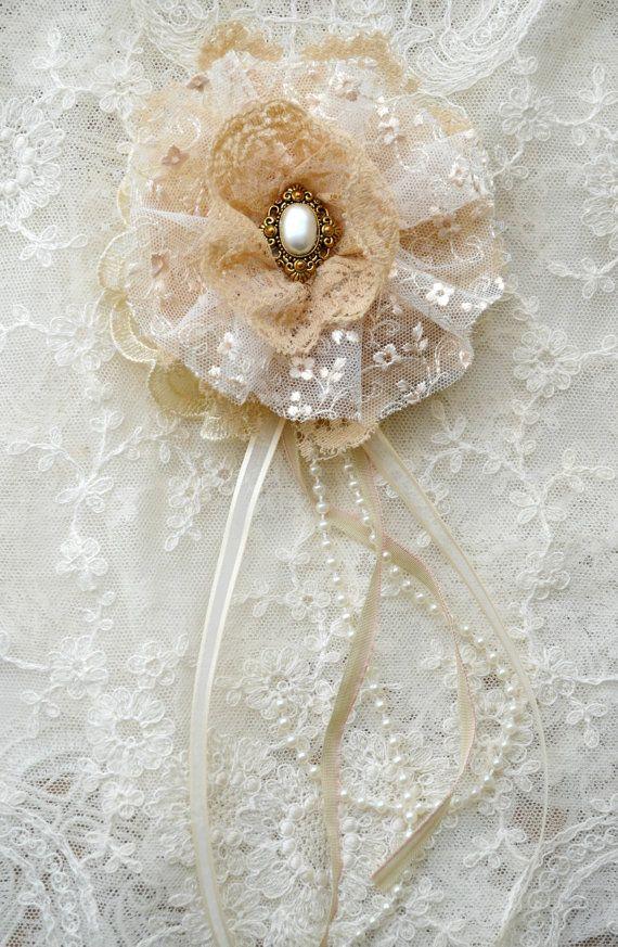 Large Ecru Gillyflower - Handmade lace flower brooch