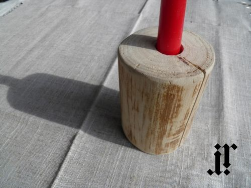 Wood candle holder for 1 candle