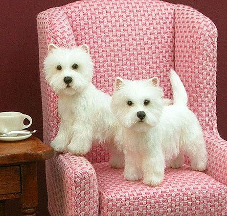 How CUTE are these Westies?? Flocked dogs by miniatures artist Kerri Pajutee - http://kerripajutee.com/