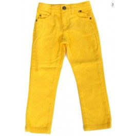 Hippe gele jeans van het Deense merk Smafolk. De broek kan zowel voor jongens als voor meisjes.