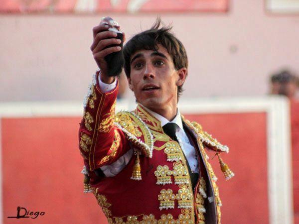 Debute com Picadores do novilheiro Joaquim Ribeiro Cuqui na Plaza de Toros de San Marcos