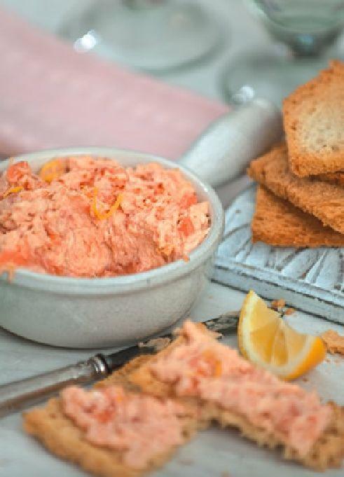 Low FODMAP & Gluten free Recipe -  Smoked salmon pâté  http://www.ibssano.com/low_fodmap_recipe_smoked_salmon_pate.html