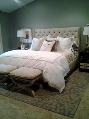 Bedroom Area Rug Under Bed